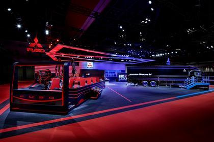 第44回東京モーターショー2015 三菱ふそうトラック・バスブース